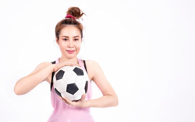 Menina do esporte no sportswear de moda