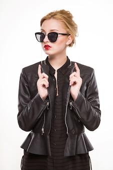 Menina, em, um, casaco, e, óculos de sol