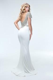 Menina, em, um, vestido branco, athena