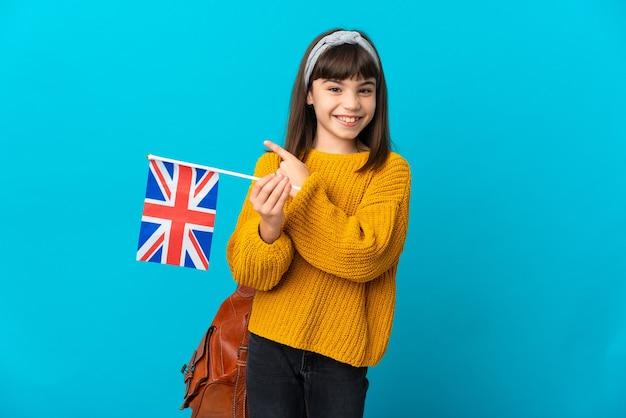 Menina estudando inglês isolada