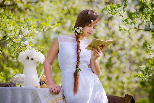 Menina florido jardim cereja