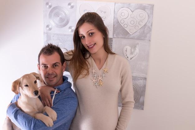 Menina grávida, e, marido