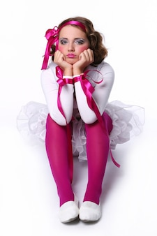 Menina linda jovem boneca