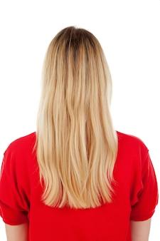 Menina loira com t-shirt vermelha