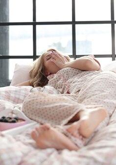 Menina na cama