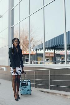 Menina negra elegante