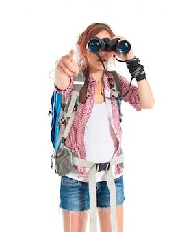 Menina, olhar através binóculos, sobre, fundo branco