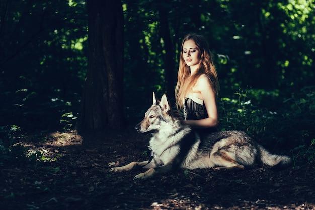 Menina, sentando, com, cão