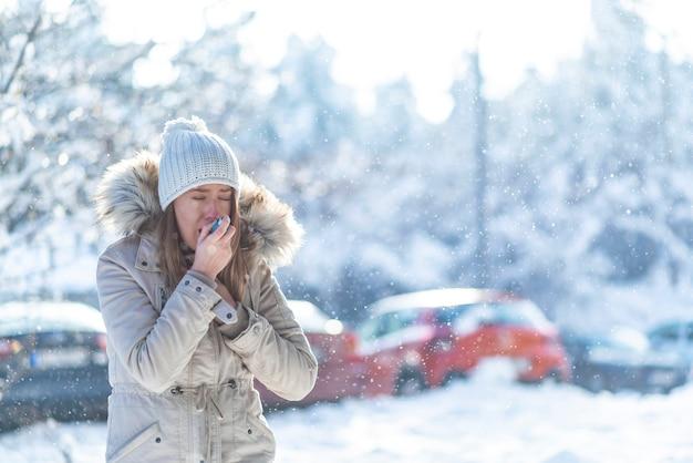 Menina, sofrimento, ataque asma