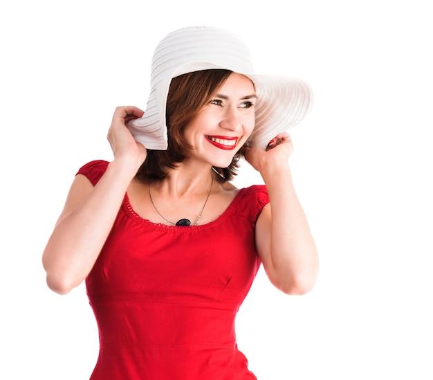 Menina sorridente com chapéu