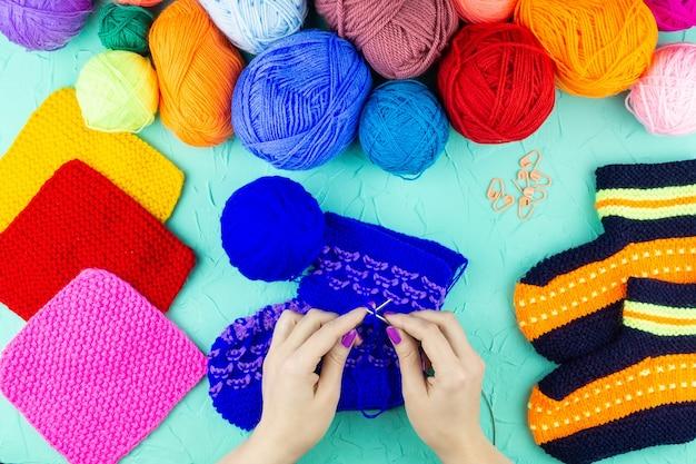 Menina, tricota, tricotar, meia, agulhas