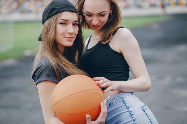 Meninas com uma bola