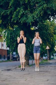 Meninas da cidade