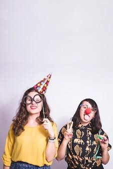 Meninas se divertindo na festa
