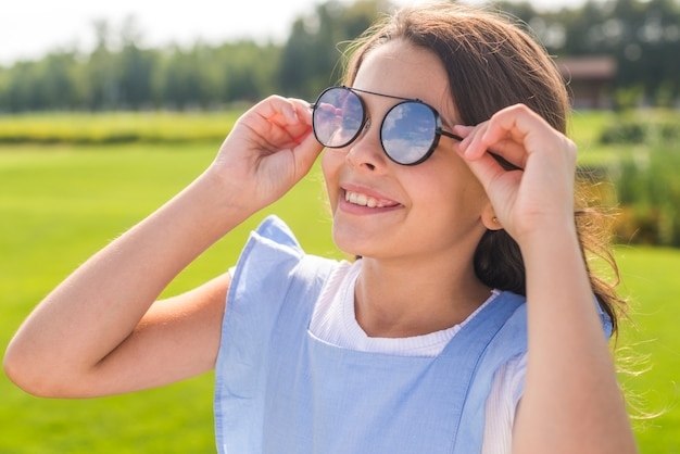 Menininha, desgastar, legal, óculos de sol
