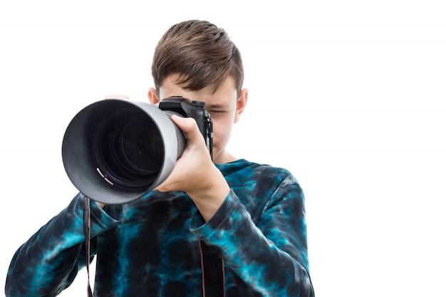 Menino com câmera
