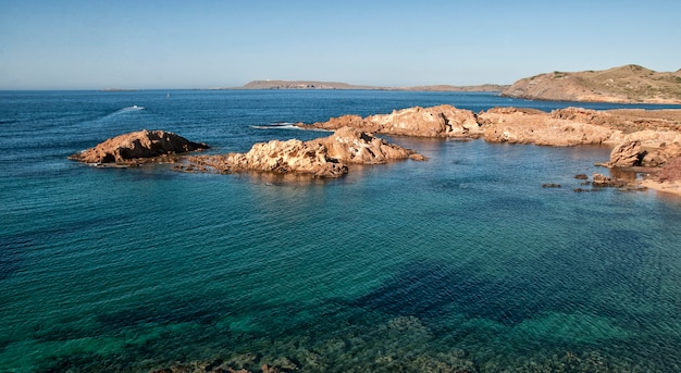 Menorca, vista do mar da espanha