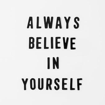Mensagem de amor próprio com fundo branco