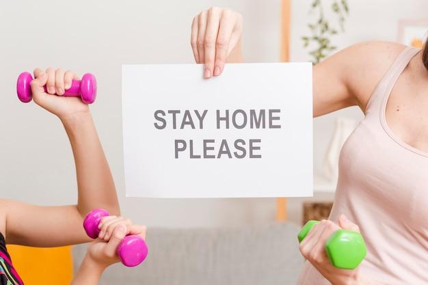 Mensagem de close-up para ficar em casa