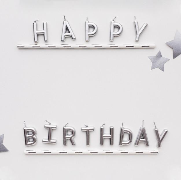 Mensagem de feliz aniversário com espaço para texto