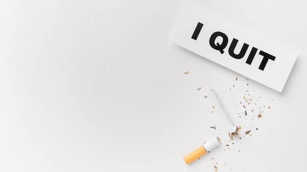 Mensagem para deixar de fumar no espaço da cópia