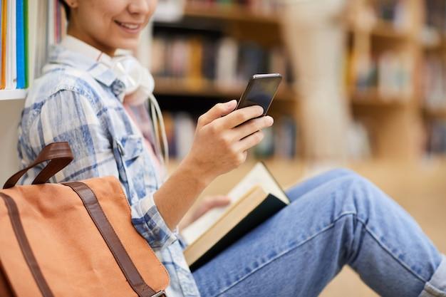 Mensagens de texto sms na biblioteca