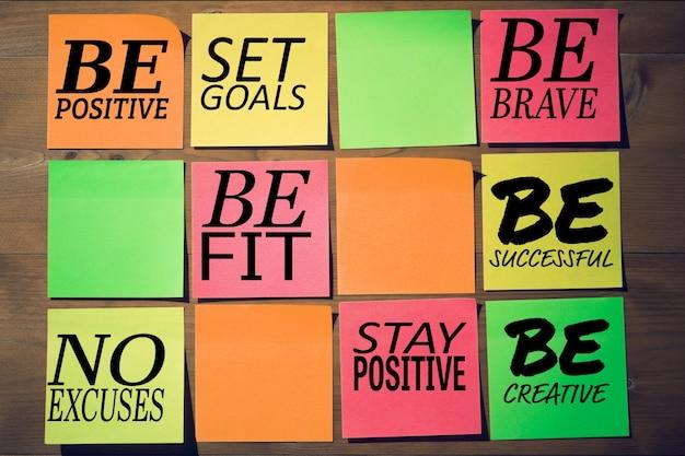 Mensagens positivas com quadrados coloridos