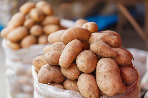 Mercado de agricultores. batatas