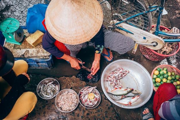 Mercado de comida vietnamita