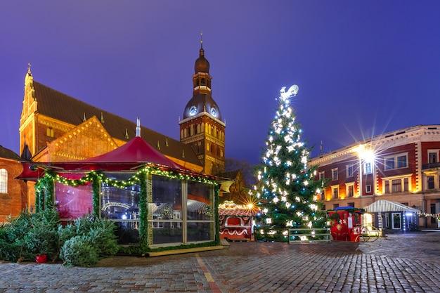 Mercado de natal em riga, letônia
