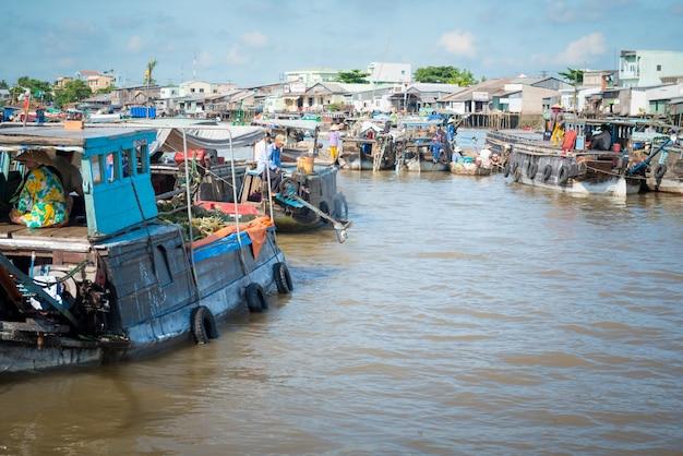 Mercado flutuante mekong