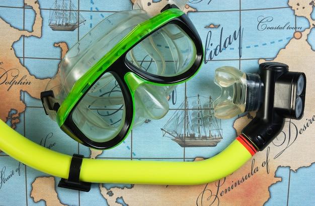 Mergulho com máscara e snorkel no mapa