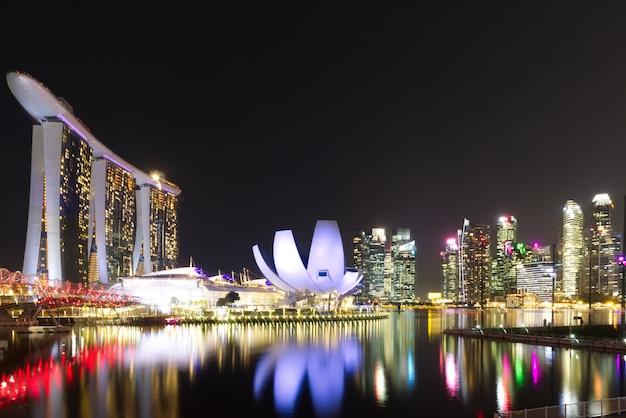 Merlion park, marina bay em cingapura.