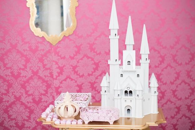 Mesa de aniversário decorada princesa tema