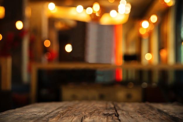Mesa de bar com fundo desfocado para espaço de cópia