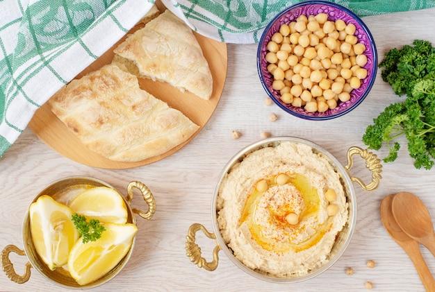 Mesa de comida árabe
