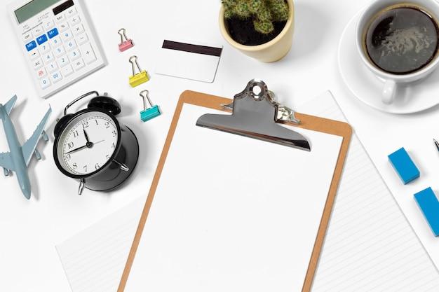 Mesa de escritório em branco com copyspace