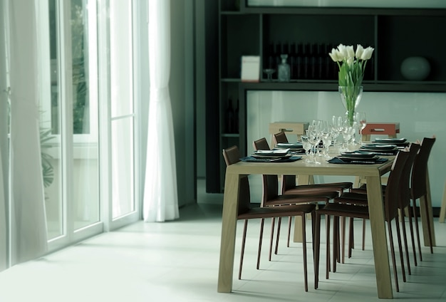 Mesa de jantar de decoração com vidro, prato de castiçal e flor