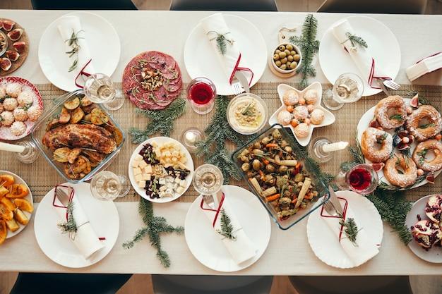 Mesa de jantar fetive no natal