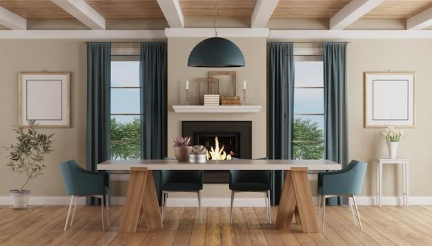 Mesa de jantar moderna em um interior clássico em casa com lareira