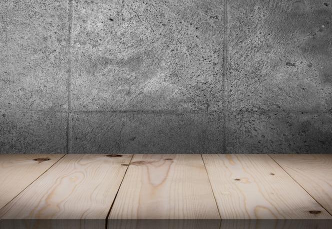 Mesa de madeira na frente da sala de parede
