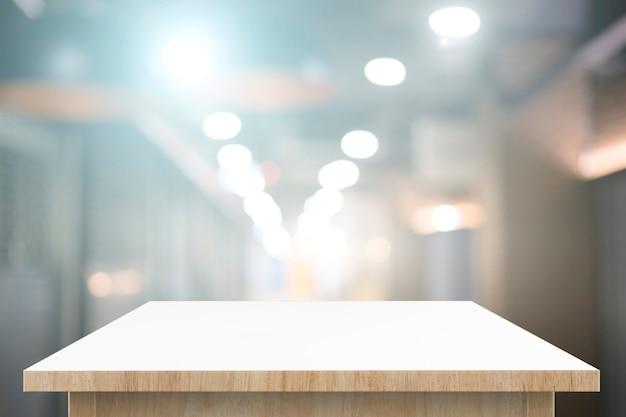 Mesa de madeira para produtos de montagem