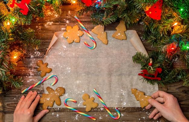 Mesa de natal com biscoitos de gengibre