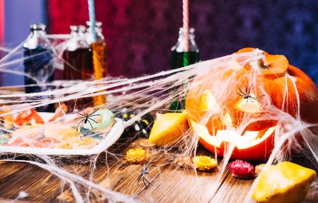 Mesa decorada com halloween