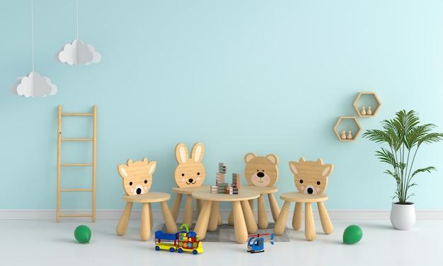 Mesa e cadeira na sala de criança azul clara