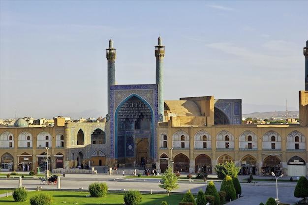 Mesquita na praça naqsh-e jahan em isfahan, irã