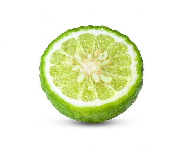 Metade de bergamota ou kaffir com sementes em branco