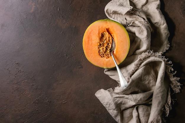 Metade do melão cantaloupe