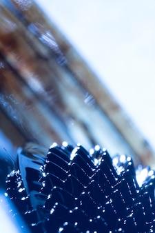 Metal ferromagnético de close-up com fundo desfocado
