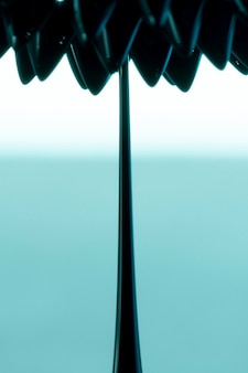 Metal ferromagnético de forma abstrata flor